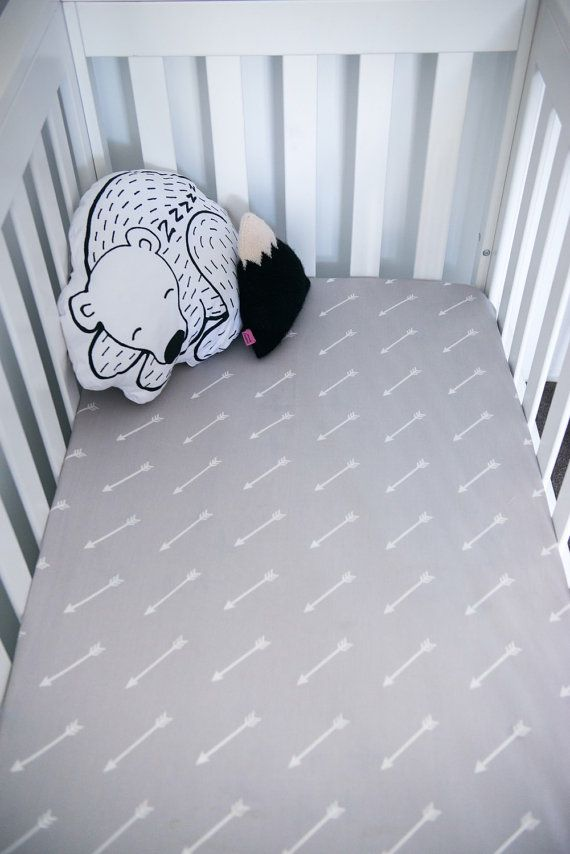 Crib / Cot Fitted Sheet in 300TC Organic Cotton by OceanAndFriends