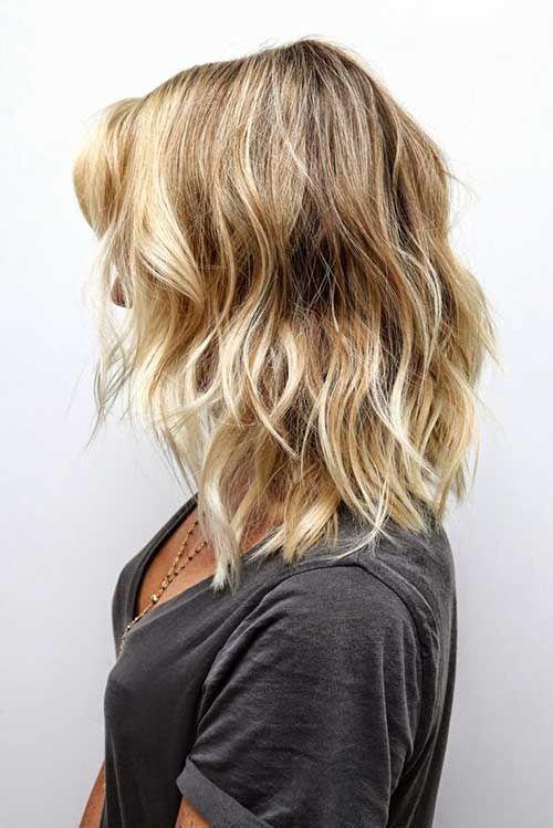 Soft Wavy Hair for Medium Cut