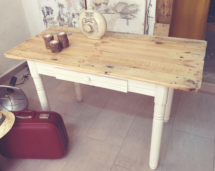 M s de 25 ideas incre bles sobre mesas de cocina restauradas en pinterest rehacer mesas de - Centro reto salamanca recogida muebles ...