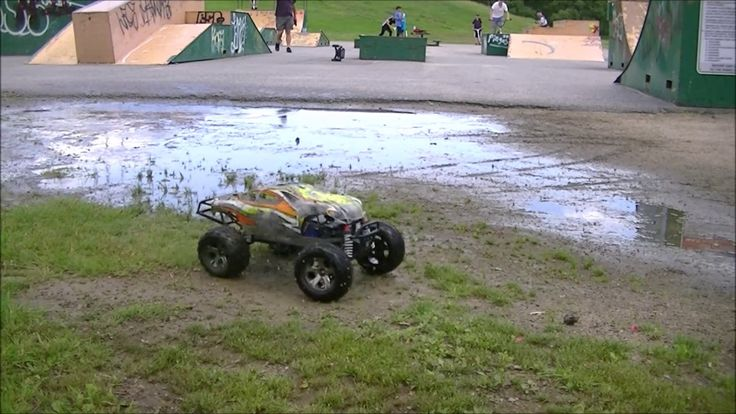 Traxxas Stampede VXL 4X4 On 3S Getting Wet and Dirty At The Park😜