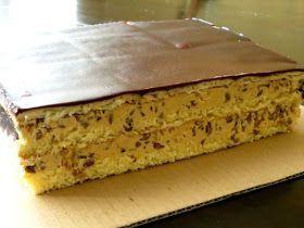 Kolejne z ciast świątecznych, które znikało w szybkim tempie to właśnie Wesoły Słonecznik. Podobne ciacho z przełożeniem słonecznik...