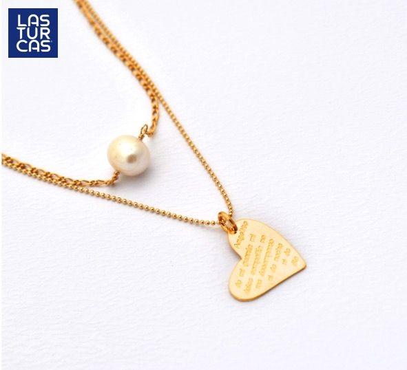Collar doble en oro Goldfiled con perla natural y dije corazón, con oración del angelito de mi guarda #Lasturcas #Accesorios #Hechoamano #Bisuteria