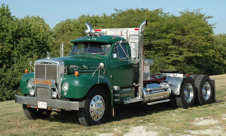 Old Mack Trucks 115