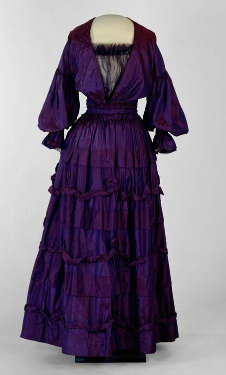 Dress    1916    Nasjonalmuseet for Kunst, Arkietektur og Design. Not English but I can see the Dowager Countess rocking it.