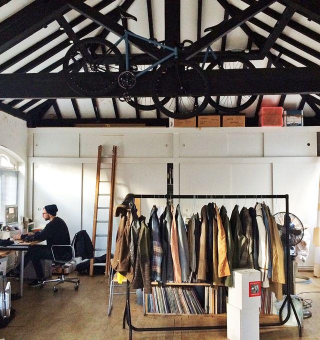 前回の買い付けの合間に、 ロンドンを拠点にする アート&デザイン集団 『TOMATO』 のスタジオに遊びに行ってきました...