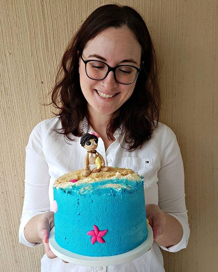 Bolo Moana para o aniversário de uma menina mega especial! 🌺🌊 . Orçamentos e encomendas: 💌 E-mail: contato@bolosdacintia.com 📞 Whatsapp: (11) 96882-2623 . #bolosdacintia #bolo #moana #bolodecorado #bolopersonalizado #festademenina #bolodeaniversario #buttercream #praia #bolopraia #beachcake #moanacake #cake #cakedecorating #cakeboss #cakedesigner #disney Supprimer le commentaire