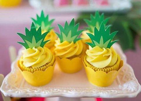 Bolinho, Bolo de copo, bolo de forminha ou cupcake, é um pequeno bolo designado para servir uma única pessoa, assado em um pequeno copo de papel alumínio.