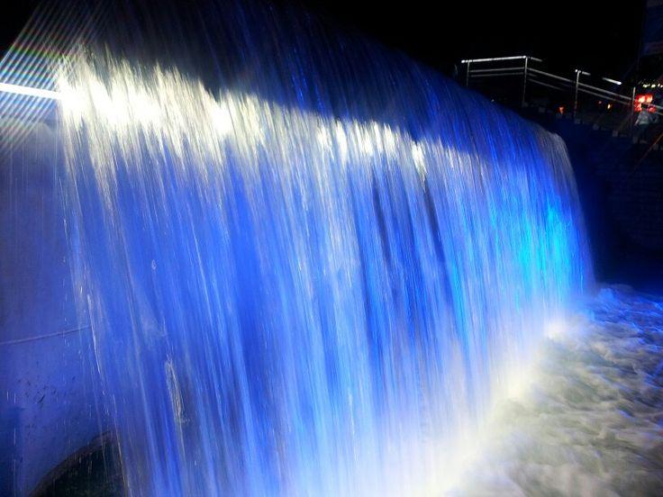 A Night in Seoul, Blue water