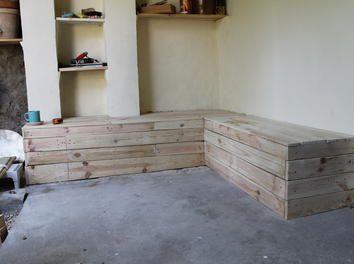 Salon de jardin enti rement r cup bois de palettes for Meuble banquette salon