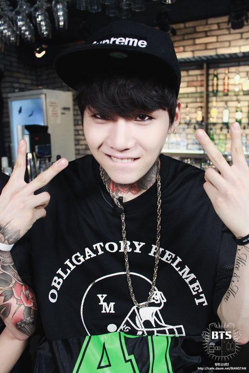 Suga BTS - those tattoos look awsome! :o