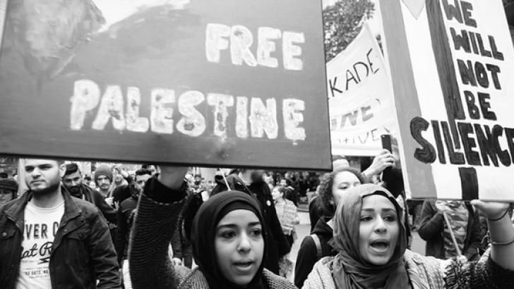 13 October 2015 | Daniel Taylor Share this article:   Gaza solidarity rally in Melbourne July 2014 PHOTO: Corey Oakley Two groundbreaking reports have revealed the methods of intimidation, harassme... http://winstonclose.me/2015/10/15/dirty-tactics-of-pro-israel-groups-exposed-written-by-daniel-taylor-red-flag/