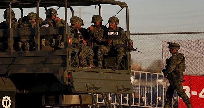 Matar o morir: periodistas revelan testimonios de soldados mexicanos de la guerra contra el narco http://insurgenciamagisterial.com/matar-o-morir-periodistas-revelan-testimonios-de-soldados-mexicanos-de-la-guerra-contra-el-narco/