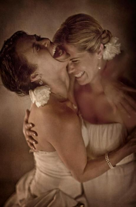 Bride and maid of honor photo
