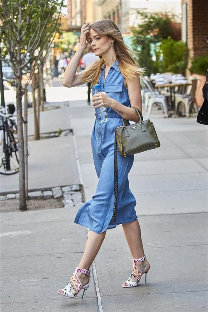 Much like the denim skirt, denim dresses are also having a major moment this summer. Jaime King paired her denim frock with heels for a slightly more dressed-up look. Best Summer 2016 Trends - Celeb Street Style