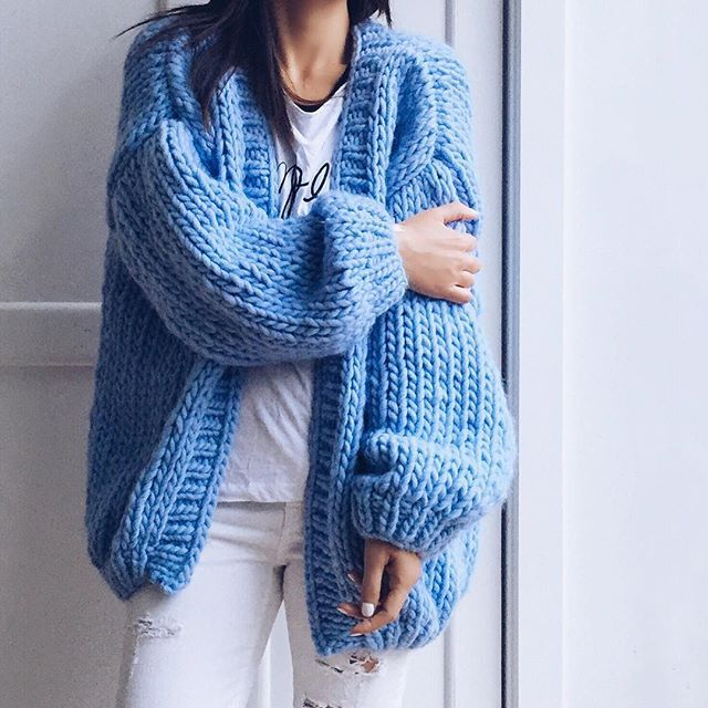 There's nothing more satisfying than when a soft knit sweater feels just as sumptuous and comforting as snuggling up to your favorite blanket. This is why I'm lusting after Stéphanie Caulier's collection of oversized and ultra-soft hand knitted jumpers, cardigans and scarves. All that beautifully