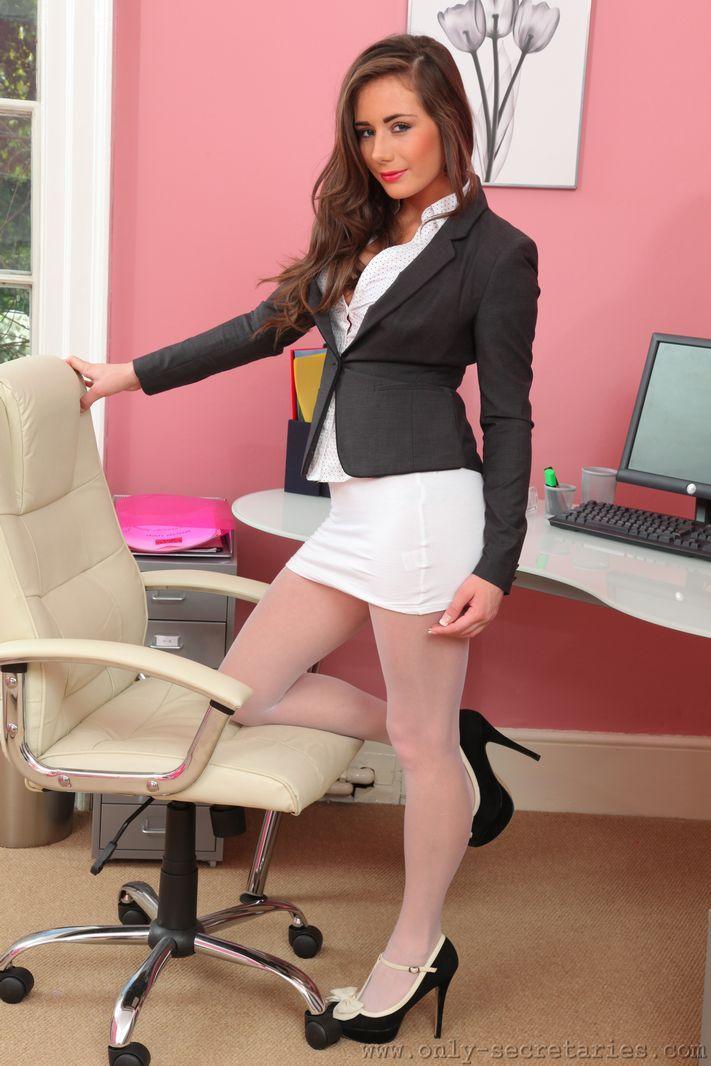 Laura only secretaries seductive legs pinterest - Office girls in stockings ...