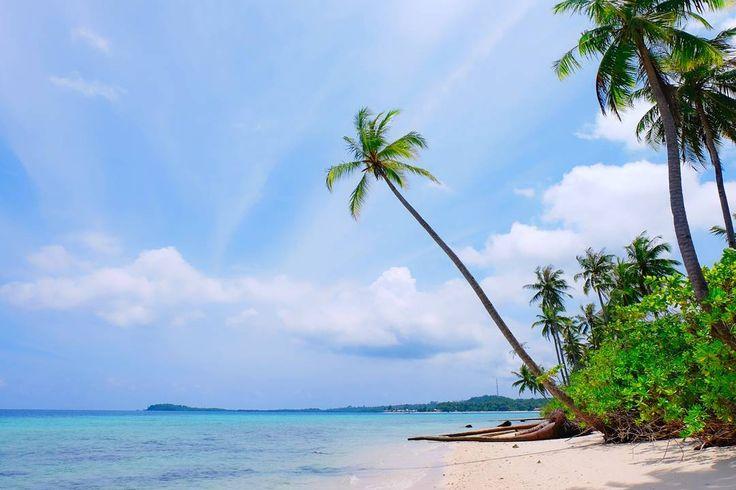 Chill session  .  #myart #photo #life #travelling #beach #instatravel #me #love #quotes #destination #adventure #nature #TravelLife #adventure #island #islandlife  #sun #magic #magician