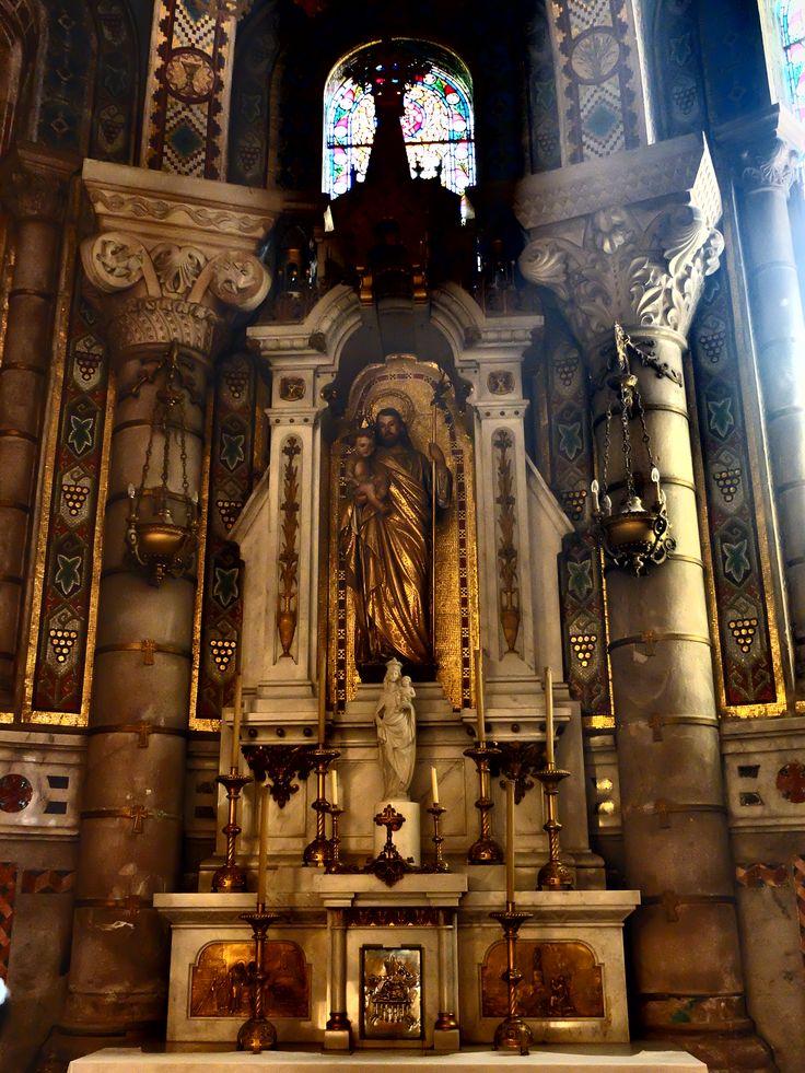 Cripta. Capilla de la Virgen de Vallivana. Altar