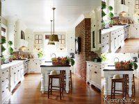 Деревянный пол, светлая мебель и креативная отделка одной стены кирпичами — это то, что нужно для оформления кухни в американском стиле