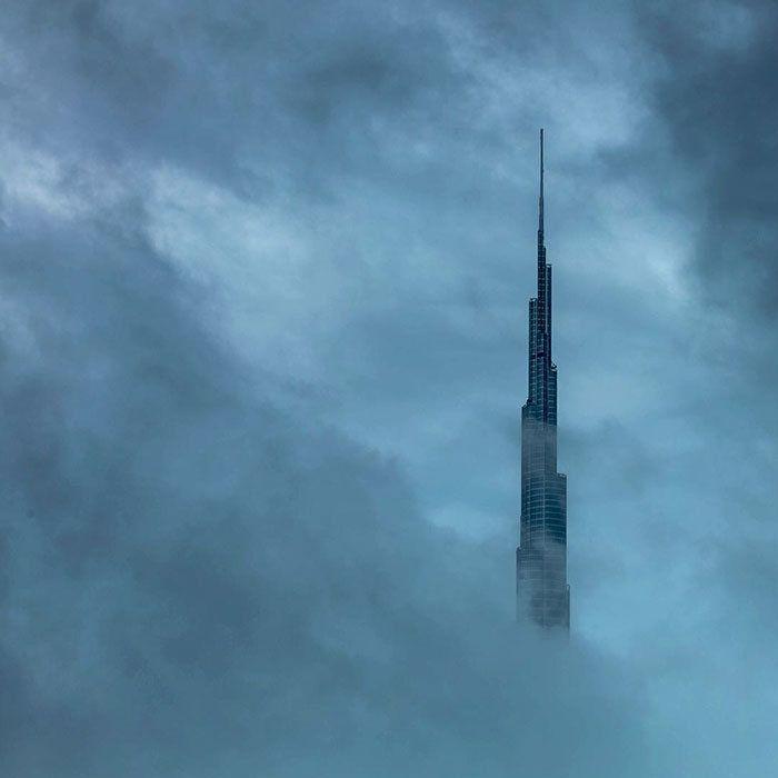 Ο πρίγκιπας του Ντουμπάι μας δείχνει την ανατολή πάνω από τα σύννεφα |thetoc.gr