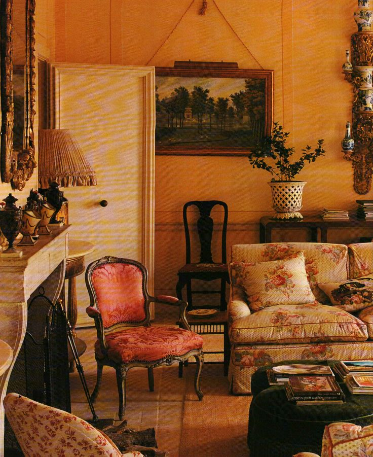 Charming chintz filled english room tom parr colefax and - Tom interiores ...