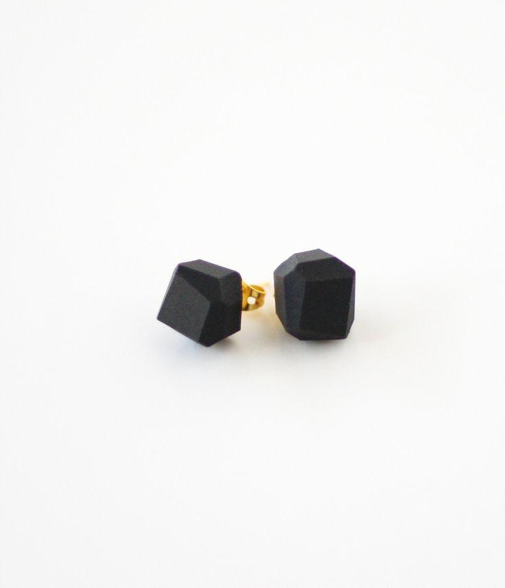Black geo earrings. #jencausey