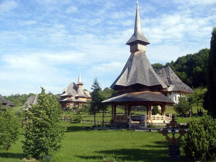 Dan Teodorescu - Mănăstirea Bârsana, Maramureş - un adevărat colţ de rai. Mai 2012