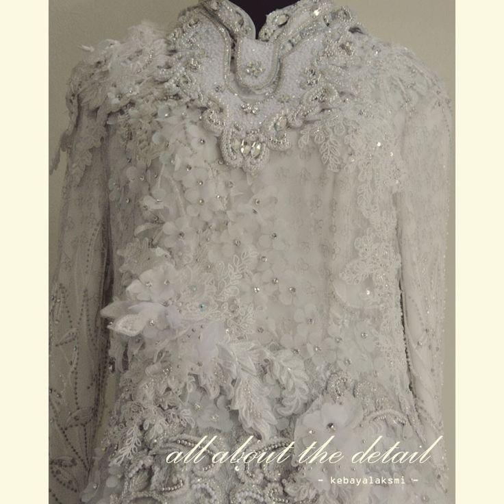 details kebaya laksmi #kebaya #kebayalaksmi #kebayasurabaya #weddingdress #kebayainspiration #gown
