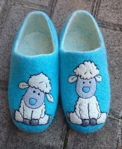 Обувь ручной работы. Ярмарка Мастеров - ручная работа домашние валяные тапочки из натуральной шерсти Овечки. Handmade.