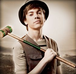 Alexander Gould, plays Shane Botwin on Weeds >.