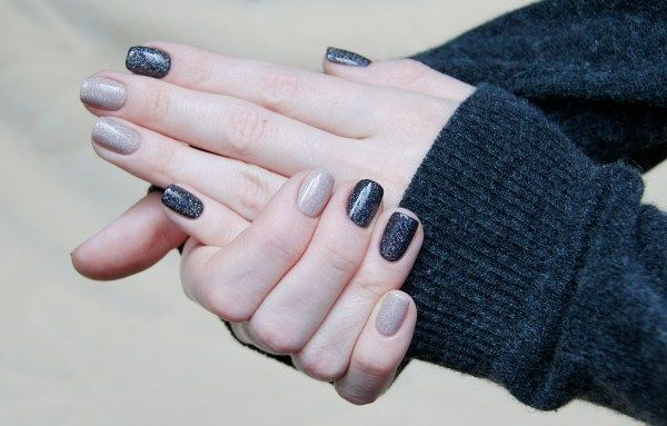 """#nail Chanel """"Vertigo"""" mixed manicure."""