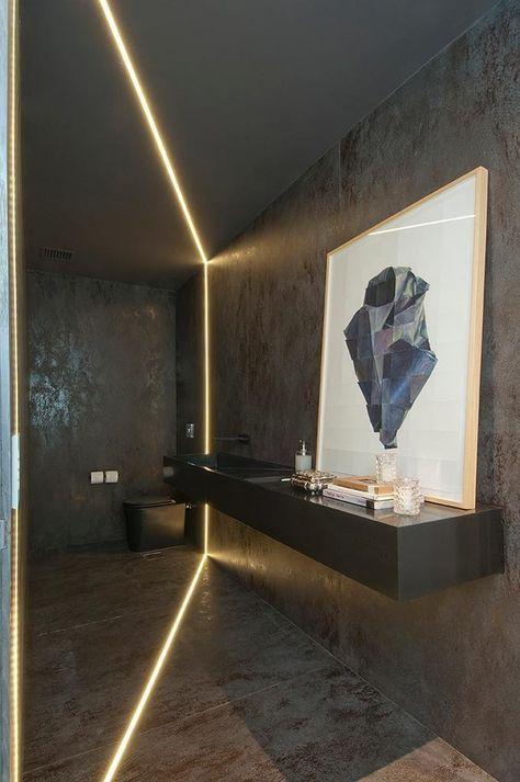 Apartamento de luxo tem ambientes sociais amplos, integrados e acolhedores