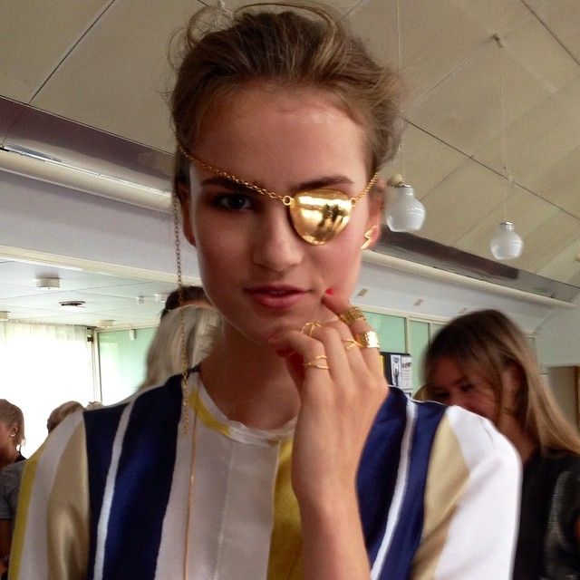 The most beautiful model from today's jewelleryshow @andreajorgensen rocking our Jewellery. Yes - it is actually an eye patch #thejewelleryshow #thejewelleryroom #lulubadulla #jewelry #eyepatch #danish #design #beautiful #cool #girl #model #weloveyou