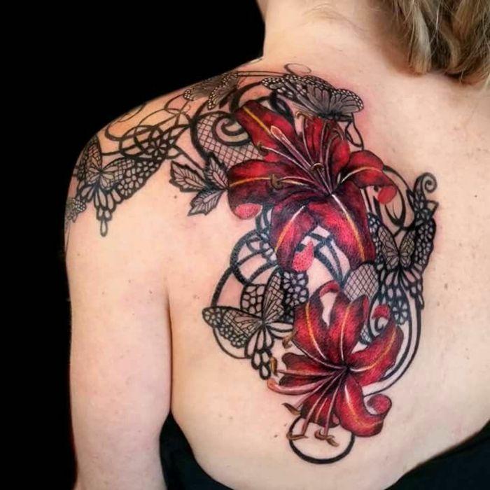les 25 meilleures id es de la cat gorie tatouages de fleurs en dentelle sur pinterest tatouage. Black Bedroom Furniture Sets. Home Design Ideas
