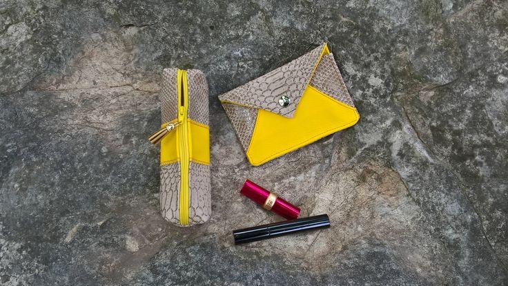 Ensemble Pochetttes Beige et Jaune - Porte cartes et Trousse maquillage de la boutique ActiveLilieCreation sur Etsy