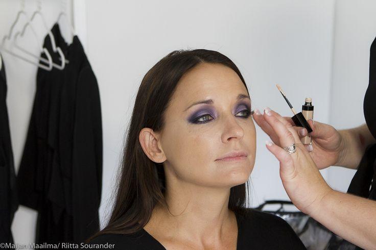 http://maijanmaailma.fi/juhlameikiksi-smoky-eyes/
