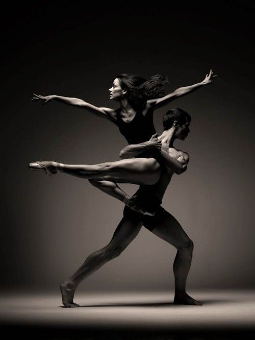 Christopher Harrison and Sophie Martin in Scottish Ballet's EIF...