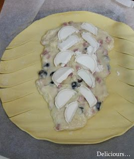 Deliciours...: Tresse feuilletée au jambon, chèvre & olives