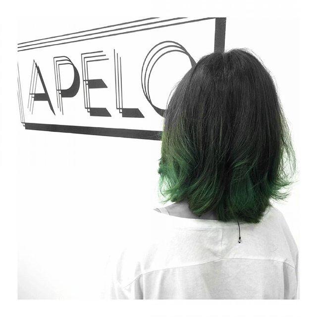 Comparte tus momentos #ruzafagente con nosotros. 🔝📷@apelo_peluqueria  Y con la primavera...todo es verde🌵💚🌿 A Marta le queda genial!! Ponle color a tu vida... . #apelopeluqueria #eco #bio #organic #vegan #natural #green #gogreen #colour #nature #haircolor #hairstyle #balayage #ombre #spring #inspiration #ideas #design #cool #makeover #friends #ruzafa #ruzafagente #valencia