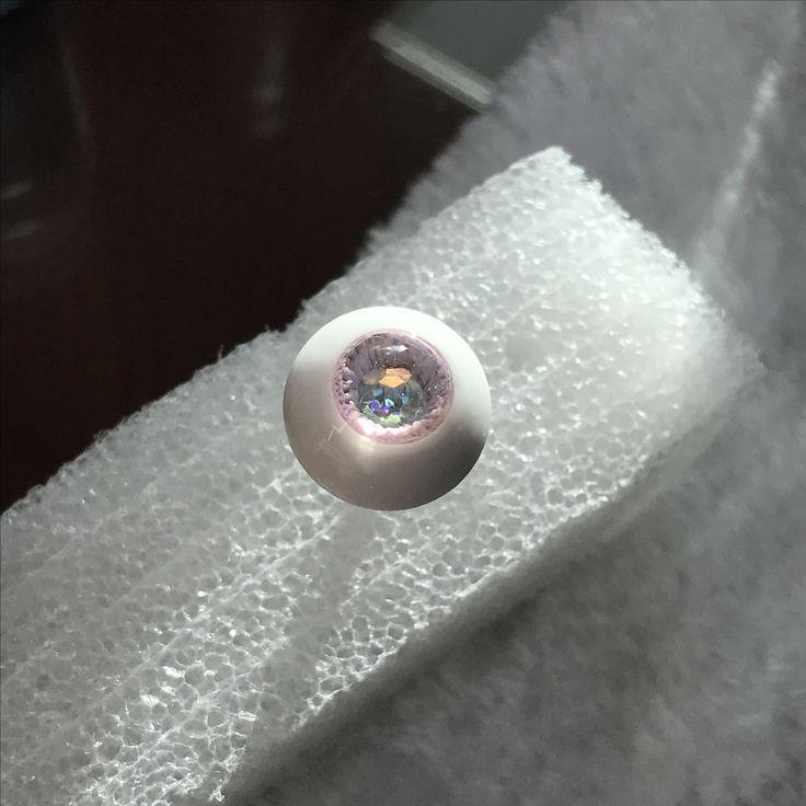 handmade bjd urethane/resin eye. unsealed.