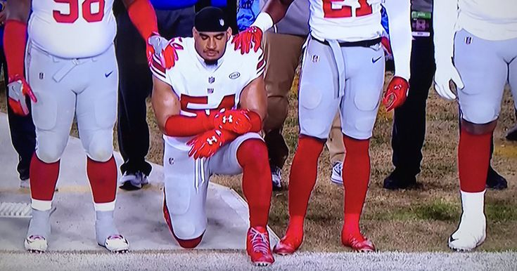 Here's The One NFL Player Who Kneeled During The Anthem On Thanksgiving