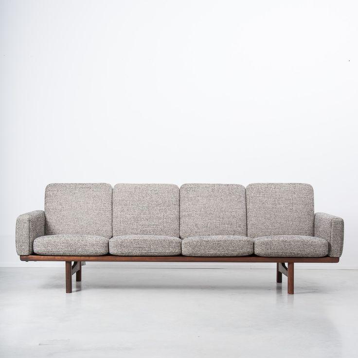 Hans J Wegner GE236/4 Teak Sofa, Getama