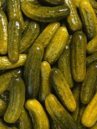 How to Make Extra Crispy Kosher Dill Pickles (with Pictures) | eHow