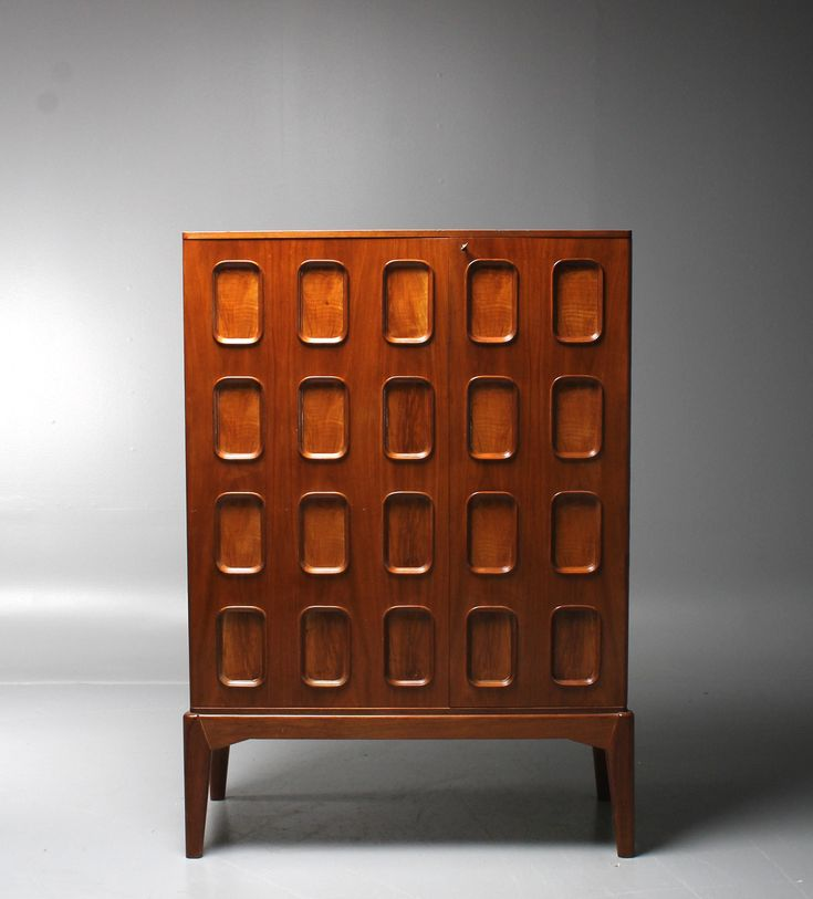 Carl Cederholm; Mahogany Cabinet for Stil & Form, 1940s.