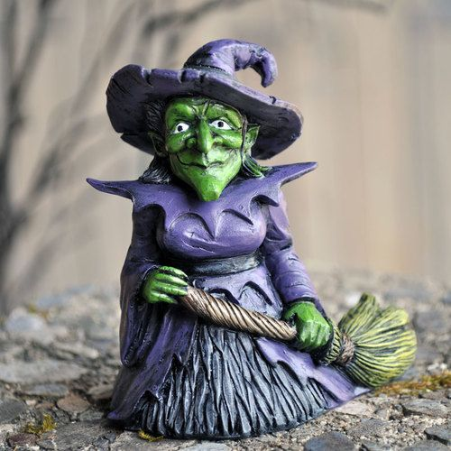 Witch Hazel Figure - Hazel can bring the fright to your Halloween night.. Perhaps even used as the mother in law in your beautiful fairy garden. It could be our secret hehehehe!! #fairygardeningaustralia