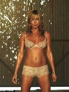 Jennifer Aniston is hotter than ever at 44! She strips ...