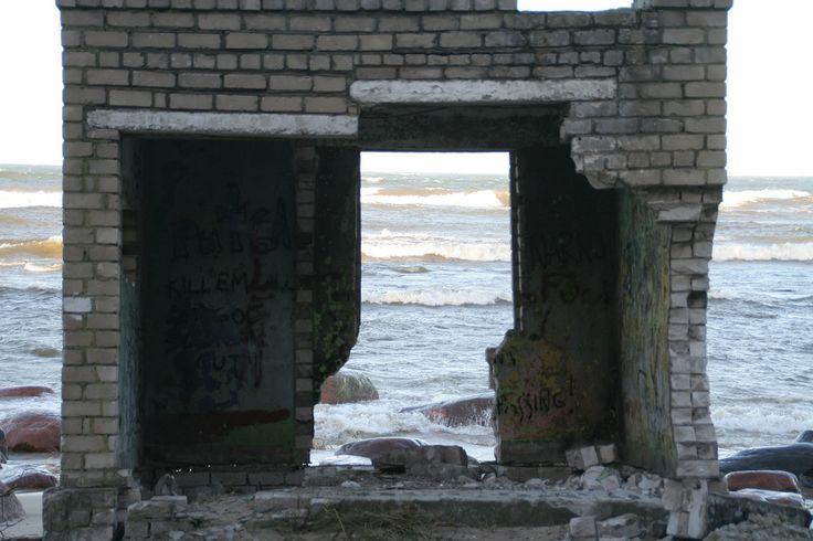 https://flic.kr/p/xo4vJ | Missile base in Estonia, Türisalu | Soviet Army was in here - 15 years ago