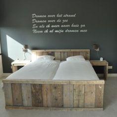 Steigerhout bedden opmaak gemaakt. En betaalbaar(ish). I WANT THIS!!!! Tweepersoonsbed van steigerhout (12161830clbh)