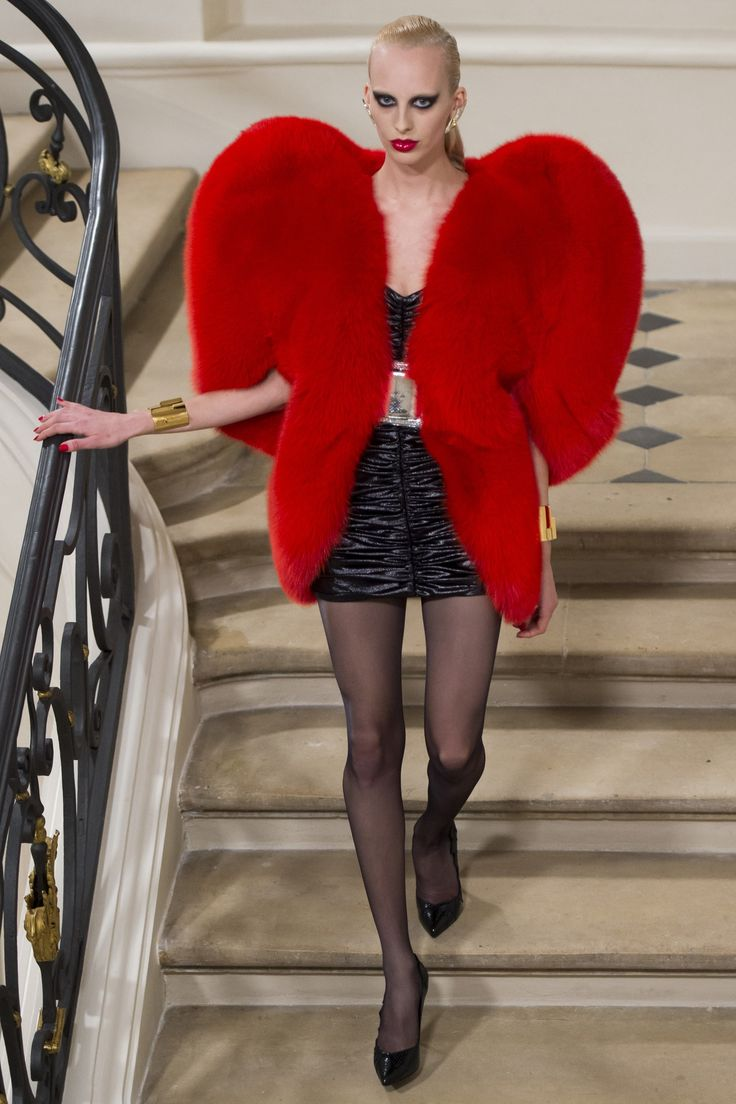 Saint Laurent Fall 2016 Ready-to-Wear Fashion Show