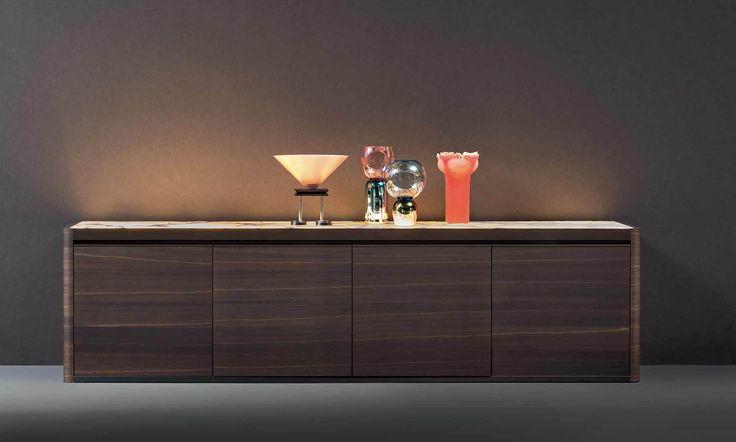 NATEVO by Flou presenta la nuova collezione SOLIDA Forte del successo dei primi mobili con la luce integrata, Matteo Nunziati progetta Solida, la sua seconda collezione per Natevo. Tavolo, Libreria…